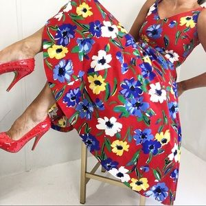 Adorable Floral Sleeveless 50's Inspired Dress